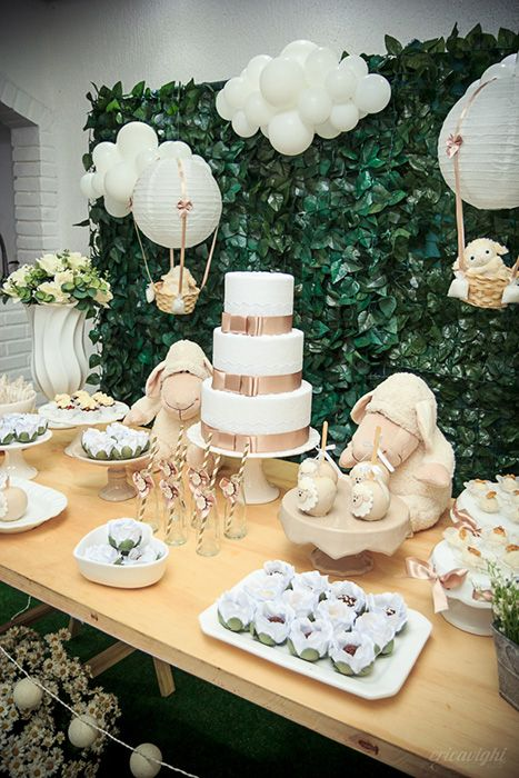 gorgeous baby shower centerpieces