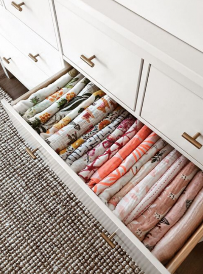 NURSERY STORAGE IDEAS FOR ORGANIZING BLANKETS AND SWADDLES