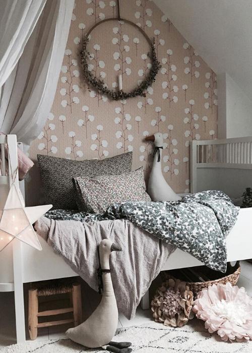girls room wallpaper ideas