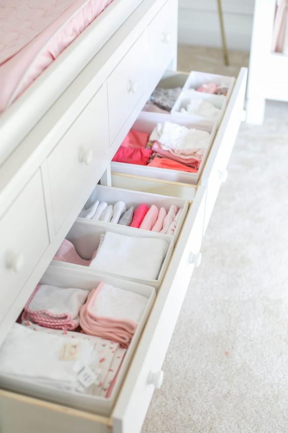 ORGANIZE BABY'S CLOTHES